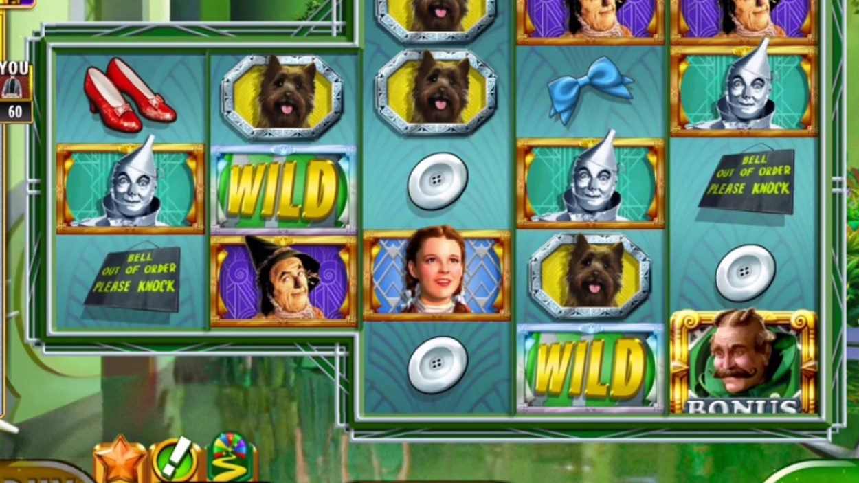 Title screen for Wizard Of Oz Emerald City Slots Game